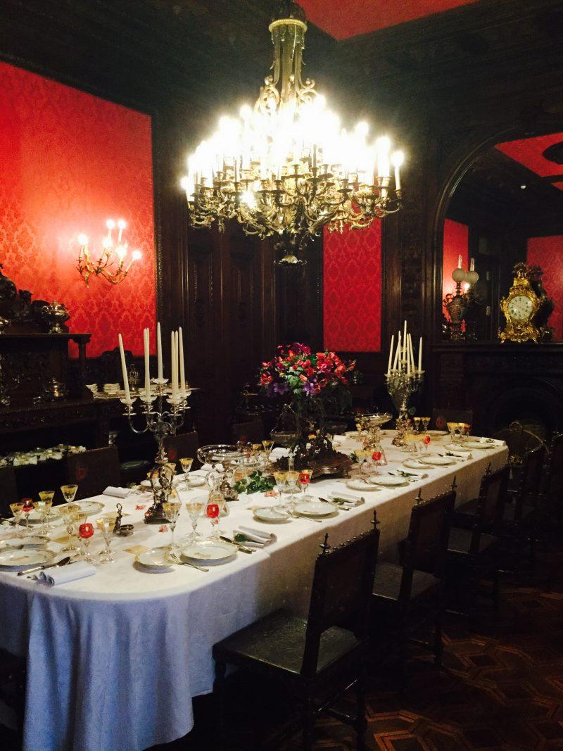 A Sala De Jantar Do Pal Cio Nacional Da Ajuda Tachos E Porcelanas